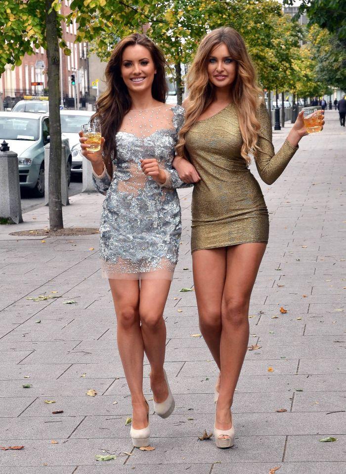 Женщины В Коротких Юбках