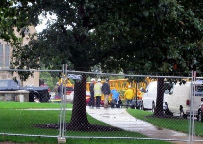 Авария строительного крана в Вашингтоне (10 фото)
