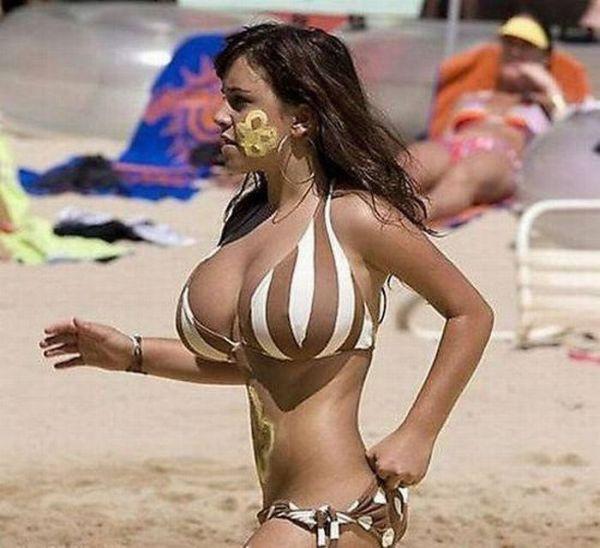 Девушки с правильным размером груди (32 фото)