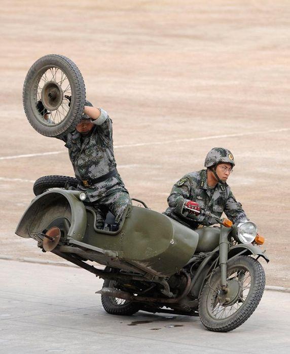 http://de.trinixy.ru/pics4/20110914/military_92.jpg