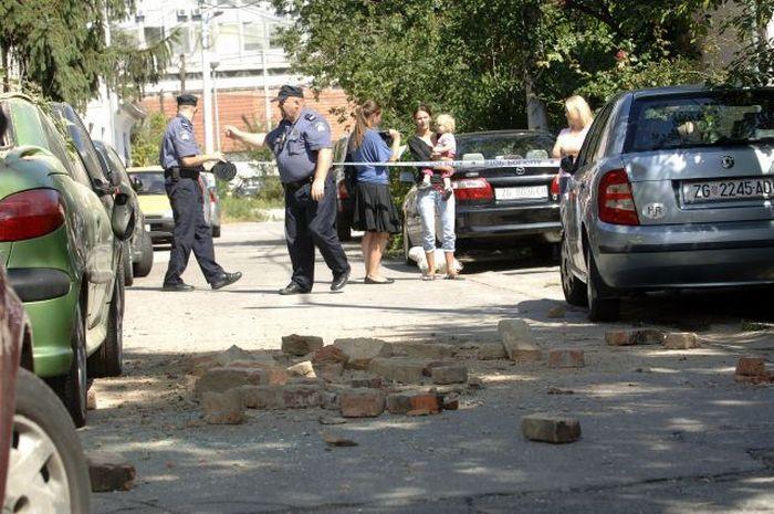 Инцидент на парковке (7 фото)