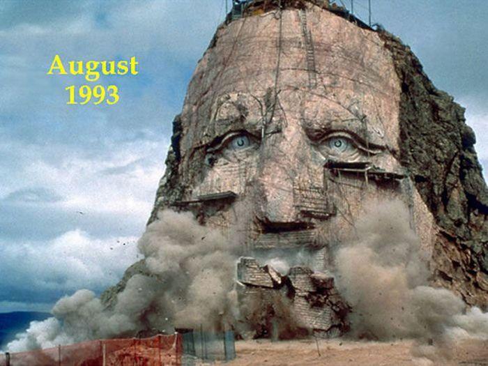 Огромный мемориал в США (8 фото)