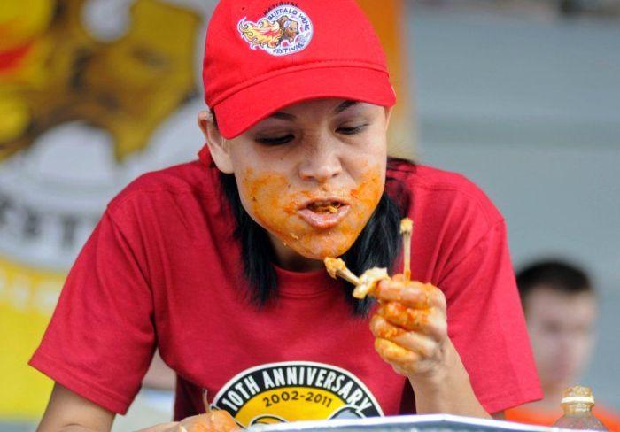 Чемпионат по поеданию еды (10 фото)