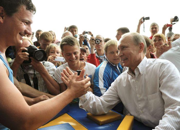 Владимир Путин глазами зарубежных журналистов (34 фото)