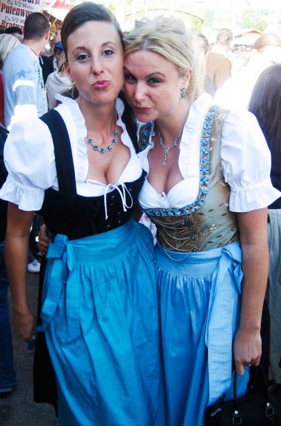 Девушки с фестиваля Октоберфест 2011 (75 фото)