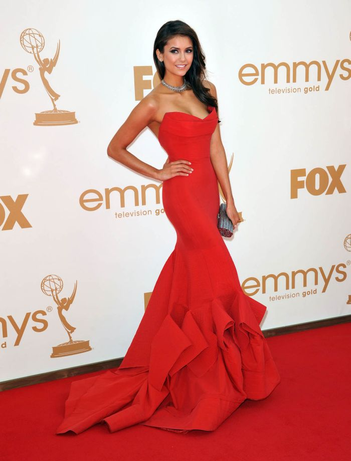 нина добрев в красном платье фото