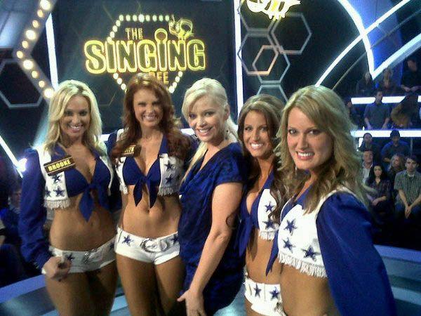 Милые девушки из группы поддержки Dallas Cowboys (100 фото)