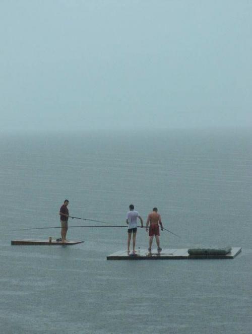 Рыбалка возбуждает (3 фото)
