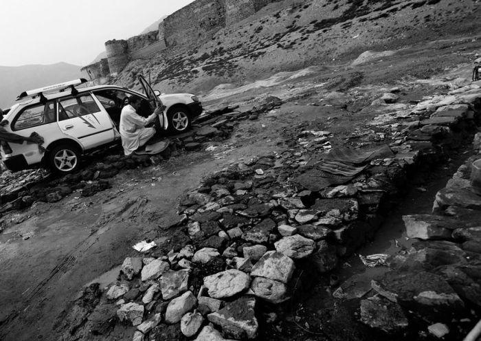 Автомойка в Афганистане (20 фото)
