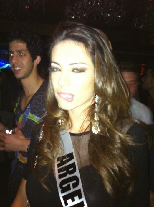 Девушки с конкурса Мисс Вселенная 2011 корчат рожи (28 фото)
