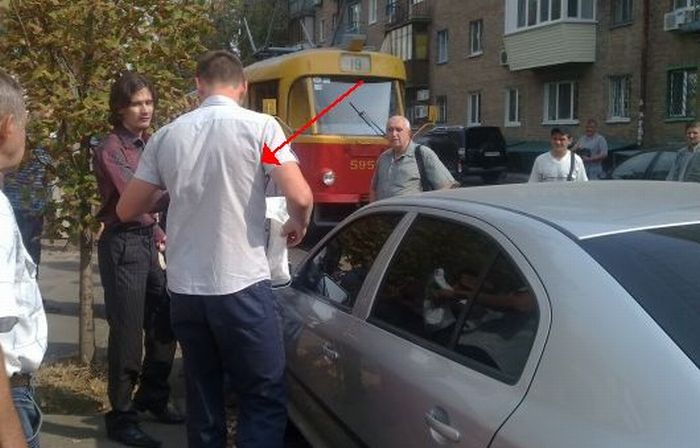 Самосуд по-киевски (4 фото)