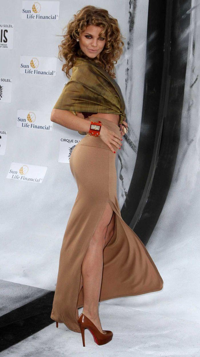 Девушки в обтягивающих юбках фотографии фото 148-800