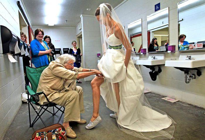 Свадьба на аттракционе (14 фото)