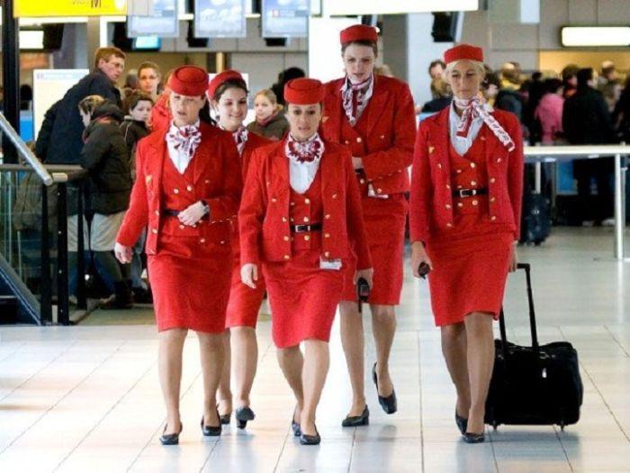 Стюардессы разных авиакомпаний 45