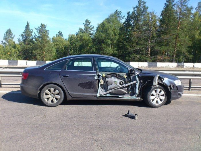 Странная авария (3 фото)