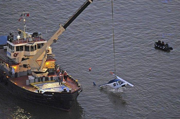 Крушение вертолета (11 фото)