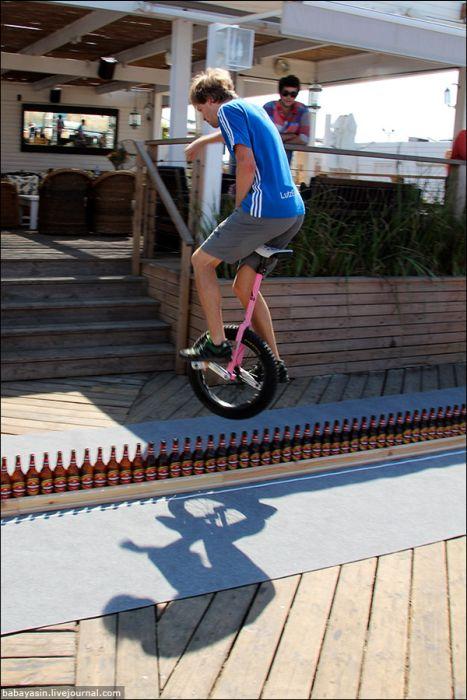 В Книгу рекордов Гинесса на моноцикле (24 фото)
