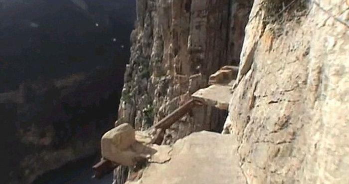 Самая опасная тропа в мире (6 фото + видео)