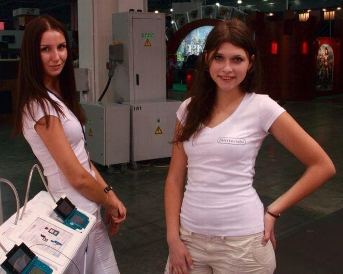 Сексуальный девушки с ИгроМир 2011 (28 фото)