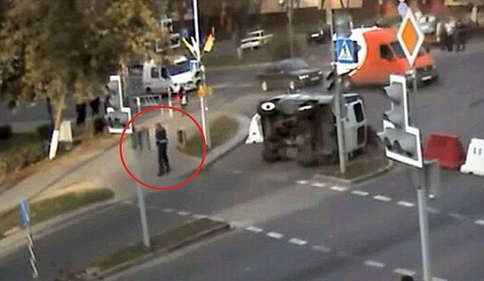 Милиционер-счастливчик из Белоруссии (4 фото + видео)