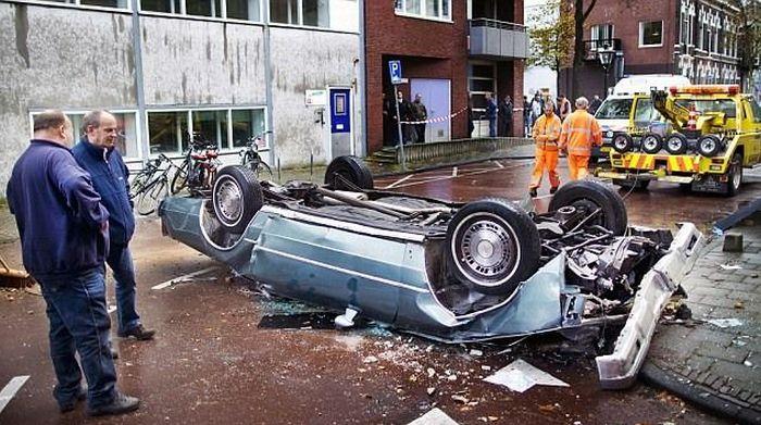 Ужасное падение (3 фото)