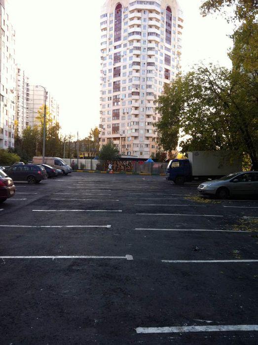 Велосипедные дорожки и парковочные места в Москве (28 фото)