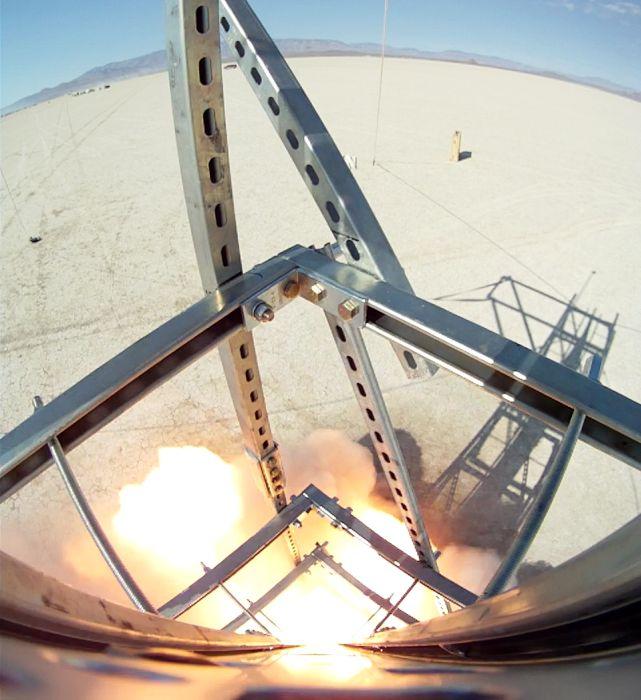Самодельная ракета, которая побывала в космосе (19 фото + видео)