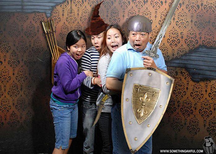 Отфотошопленные посетители Nightmares Fear Factory (54 фото)