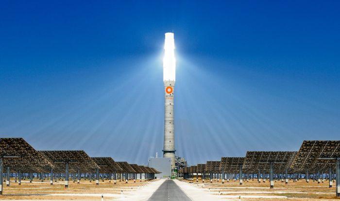 Круглосуточная гелиоэлектростанция в Испании (8 фото)