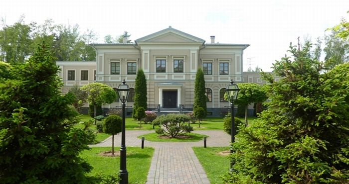 Интерьеры домов на Рублевке. Часть 2 (47 фото)