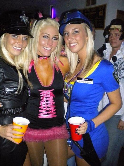 Девушки на вечеринках (98 фото)