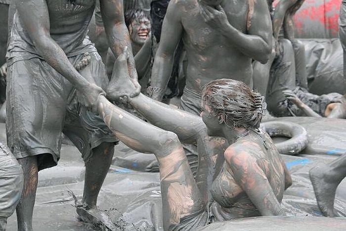 Russian nudism. Девушки нудистки зимой. Фото девушек в прозрачном