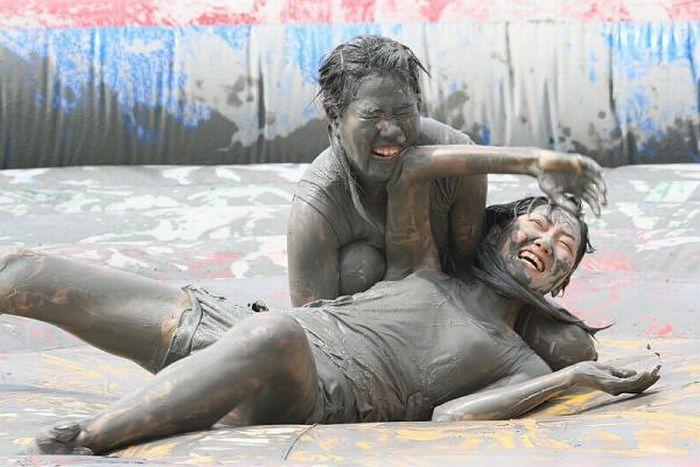 Фестиваль грязи в Южной Корее (15 фото)