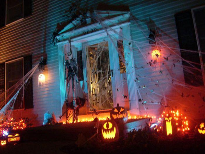 Идеи для Хэллоуина    - Страница 3 The_best_front_yard_decorations_for_halloween_06