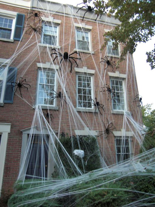 Идеи для Хэллоуина    - Страница 3 The_best_front_yard_decorations_for_halloween_23