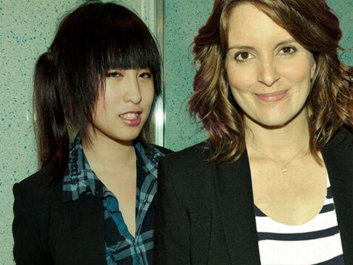 Девушка и ее друзья-знаменитости (14 фото)