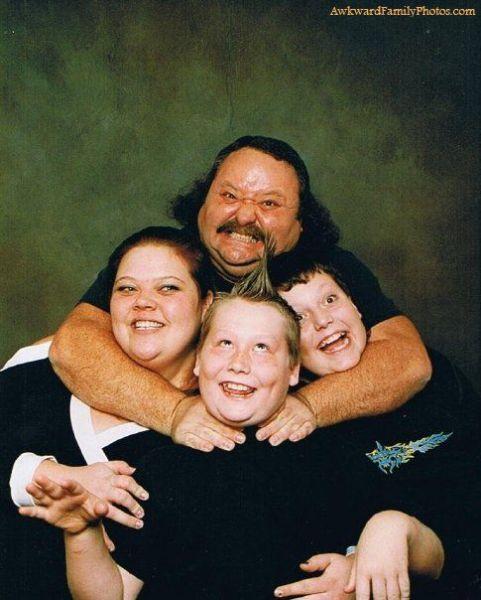 Смешные и странные семейные фотографии (40 фото)