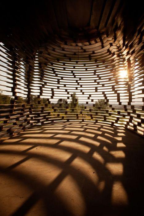 Удивительная прозрачная церковь (7 фото)