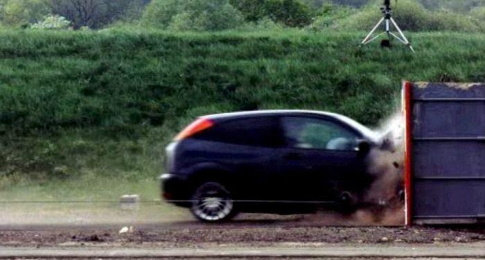 Самый быстрый краш-тест в мире (5 фото и видео)