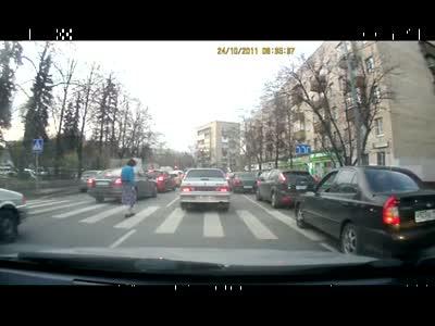 Неведомая преграда на пешеходном переходе