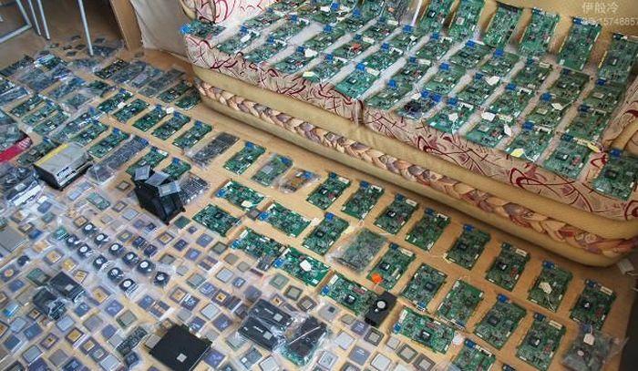 Большая коллекция комплектующих (4 фото)