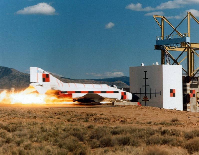 Краш-тест сверхзвукового шатла (3 фото)