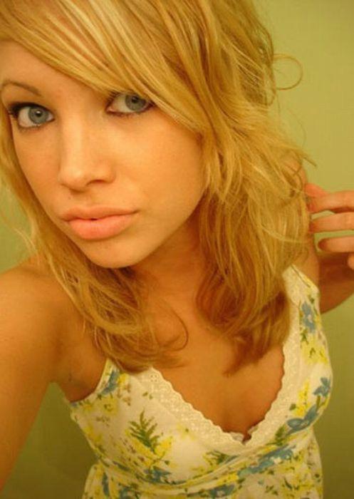 Симпатичные девушки с Facebook. Часть 2 (84 фото)
