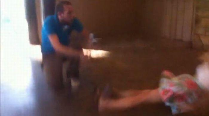 Ранимая девушка (6 фото + видео)