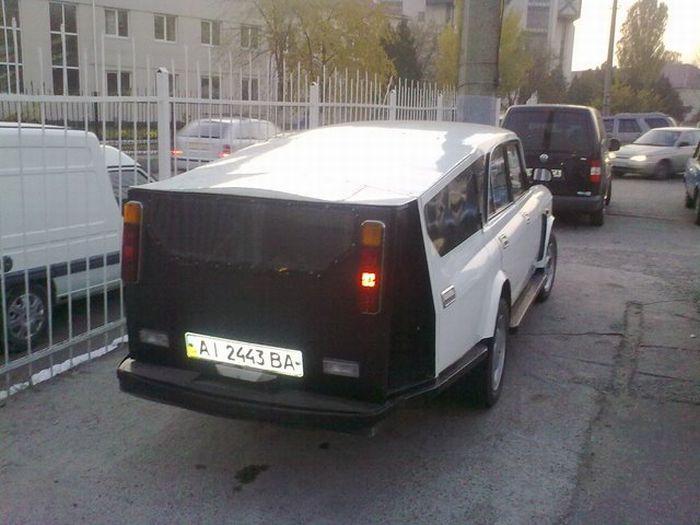 Странный автомобиль (4 фото)