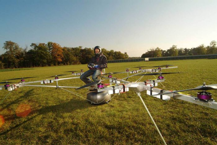 Пилотируемый мультикоптер (5 фото + видео)