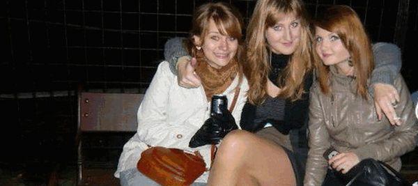 Девушка с одинаковым лицом на фотографиях (13 фото + 1 гифка)