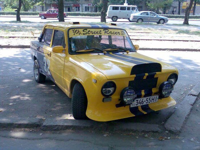 Тюнингованные автомобили ВАЗ (37 фото)