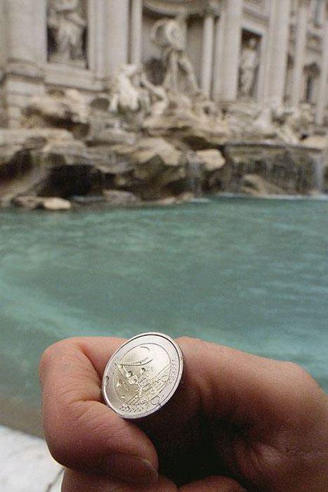Сокровища фонтана Треви в Риме (9 фото)
