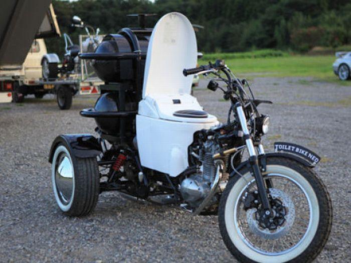 Мотоцикл со встроенным туалетом (26 фото + видео)